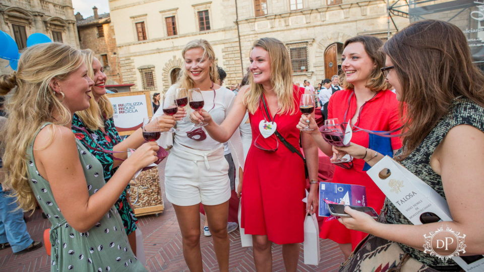 Calici diStelle: all you need to know about the longest night of Montepulciano's Summer